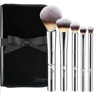 IT Brushes Beautiful Basics Set